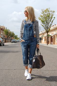 Really loving this outfit. But ditch the stripes I would wear a white tank top underneath! Really wish I had overalls. Outfits With Converse, Casual Outfits, White Converse, Modest Outfits, Skirt Outfits, White Sneakers, Casual Wear, Look Fashion, Fashion Outfits