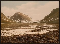 [Tverdalen at Advent Bay, Spitzbergen, Norway]