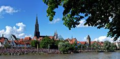 Am 16. & 23. Juli 2017 findet das Fischerstechen in Ulm/Neu-Ulm statt. Weitere Informationen zu diesem Ereignis findet Ihr hier: http://www.tourismus.ulm.de/web/de/feste-und-veranstaltungen/fuer-kunst-und-kulturliebhaber/fischerstechen.php