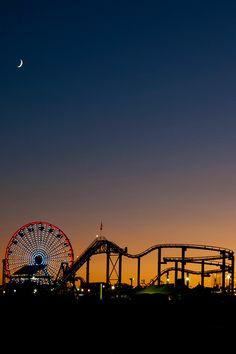 santa monica pier, ca. Santa Monica California, California Usa, Field Of Dreams, Cultural, Adventure Awaits, Belle Photo, Neon, Black And White Photography, Summer Vibes