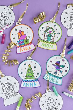 icu ~ Printable Snow Globe Gift Tags - Kerst knutselen, Kinderen kerstmis knutselen en Kinderen kerstmis ~ Decorate your presents and the tree with snow globe ornament gift tags! Preschool Christmas, Noel Christmas, Christmas Activities, Christmas Crafts For Kids, Christmas Printables, Christmas Projects, Holiday Crafts, Christmas Gifts, Christmas Decorations