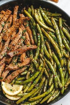Garlic Butter Steak and Lemon Green Beans Skillet – So addicting! The flavor combination of this quick and easy one-pan dinner is spot on! Steak and green beans are cooked in one skillet and … Steak And Green Beans, Lemon Green Beans, Black Beans, Shrimp And Green Beans, Steak And Rice, Meat Recipes, Healthy Dinner Recipes, Cooking Recipes, Skillet Recipes