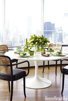 tulip table and chairs uk wheelchair lift rental 59 best replica an oval dining room classic in white from floral to family friendly stylish ideas for your living