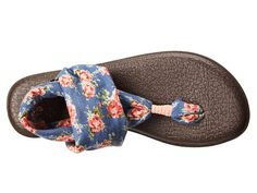 Sanuk Yoga Sling 2 Prints Ocean/Fuchsia Congo - 6pm.com Sanuk Sandals, Sanuk Shoes, Cute Shoes, Me Too Shoes, Cowgirl Chic, Glass Slipper, Spring Style, Discount Shoes, Well Dressed