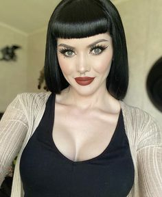 New Beginnings, How Beautiful, Girl Crushes, Bangs, Halloween Face Makeup, That Look, Photo And Video, Hair, Instagram