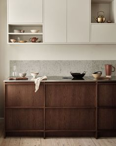 A Nordic Kitchen for the Architect's townhouse in Copenhagen - DESIGNSETTER - Design Lifestyle and Interior Design Magazine Interior Design Magazine, Interior Desing, Interior Modern, Kitchen Interior, Interior Colors, Interior Livingroom, Swedish Kitchen, Nordic Kitchen, Kitchen Dining