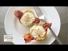 Breakfast of Champions: Bacon & Egg Toast Cups!