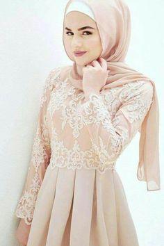 I want a pink one like thisss! Islamic Fashion, Muslim Fashion, Modest Fashion, Fashion Dresses, Muslim Wedding Dresses, Muslim Dress, Hijab Dress Party, Modele Hijab, Hijab Style