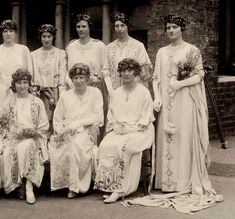 May Queen Elsie and maidens, Whitelands College~Image via RBKC Libraries College Image, Floral Headdress, Finishing School, May Days, Beltane, Retro Wallpaper, Love Art, Medieval, Queens