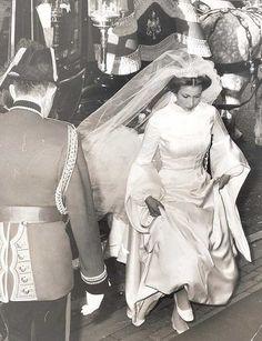 Royal Wedding: A look at the wedding dresses worn by previous British royal brides Princess Anne Wedding, Royal Princess, Princess Wedding Dresses, Royal Wedding Gowns, Royal Weddings, Wedding Bride, Windsor, Celebrity Wedding Photos, Celebrity Weddings