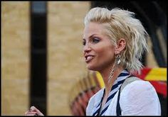 In 2012 – 2013 short haircuts with a lot of latest styles and cuts are in trends.Here are some cute and best styles of short blonde haircuts of 2012 – Short Blonde Haircuts, Short Haircut Styles, Cute Short Haircuts, Blonde Hairstyles, Short Styles, Hairstyles Haircuts, Hair Lights, Light Hair, Blonde Celebrity Hair