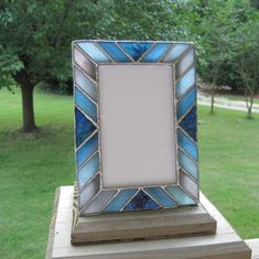 Shades of Blue 4 x 6 Stained Glass Picture Frame Stained Glass Frames, Stained Glass Night Lights, Faux Stained Glass, Stained Glass Windows, Stained Glass Patterns Free, Stained Glass Designs, Stained Glass Projects, Glass Picture Frames, Azul Tiffany