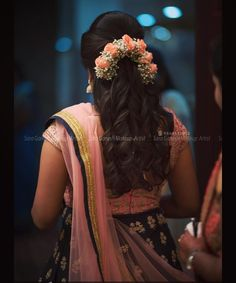 South Indian Hairstyle, South Indian Wedding Hairstyles, Bridal Hairstyle Indian Wedding, Bridal Hairdo, Hairdo Wedding, Indian Hairstyles, Lehenga Hairstyles, Hairstyles For Gowns, Bride Hairstyles