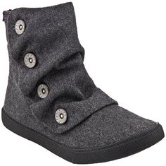 found these awesome @blowfish boots for my daughter today at @famousfootwear for $10! #bogohalfoff