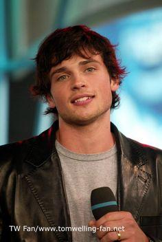 Actor de la serie Smallville sorprende al mundo por radical cambio físico a 15…