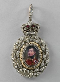 Family Order of King George IV – Badge belonged to Princess Augusta, Duchess of Cambridge (Henry Bone, c.1820-30) (obverse)