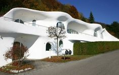 Modern Mountain House with unique architecture from Peter Vetsch Facade in the Switzerland ~. Architecture Unique, Facade Architecture, Sustainable Architecture, Earth Sheltered Homes, Crazy Houses, Cob Houses, Futuristic Home, Unusual Buildings, Dome House