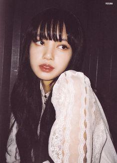 Jennie Lisa, Blackpink Lisa, South Korean Girls, Korean Girl Groups, Cute Girls, Cool Girl, Rapper, Tumbrl Girls, Blackpink Members