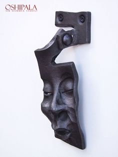 Door Knocker from Finnish blacksmith Jesse Sippola. Amazing!  oshipala.com