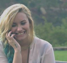 Demi Lovato in X-Factor USA, took when she found out that she´s going to coach young adults. Piercing Tattoo, Piercings, Demi Lovato Hair, She Was Beautiful, Celebs, Celebrities, Lady And Gentlemen, Role Models, Female