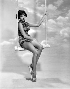 The Addams Family 1964, Morticia Adams, Caterina Scorsone, Carolyn Jones, Pin Up Girl Vintage, Pin Up Models, Old Tv Shows, Black Mask, Vintage Hollywood