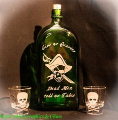 Pirate Decanter Bottle with Jolly Roger Shot Glasses       - Glass Etching -