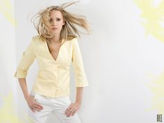 Pastelowa koszula w delikatne romby. Pastel shirt with rhombus print. http://www.bee.com.pl/e-sklep/
