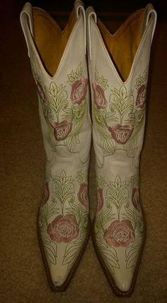 Sendra Floral Inlay Leather Boots #Sendra #CowboyWestern