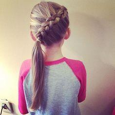 magnifiques coiffures pour petites filles à l'occasion de la rentrée scolaire