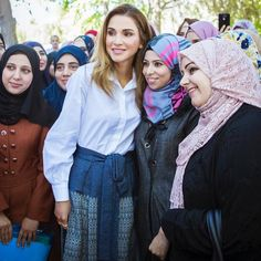 http://www.newmyroyals.com/2017/10/queen-rania-visited-queen-rania-teacher.html