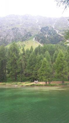 Idyllische Bank am Lai da Palpuogna, Bergün / Preda, Albulapass Golf Courses, River, Mountains, World, Instagram, Nature, Outdoor, Outdoors, Naturaleza