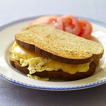 Image of an egg sandwich