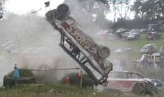 Banger racing Crash Bash, Funny Car Memes, Car Humor, Demolition Derby, Old Vintage Cars, Derby Cars, Race Day, Destruction