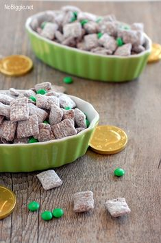 St. patricks day muddy buddies.. looks like a delicious snack! Don't forget, you can always use cello bags and ribbon to package them for tasty goody bags.