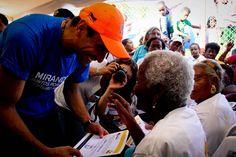 Cada vez que veo a un adulto mayor me acuerdo de mi abuela. Para lo que necesiten cuentan conmigo @hcapriles