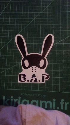 logo adhésif du groupe de musique B.A.P