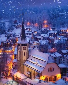 Snowing Places Around The World, Oh The Places You'll Go, Places To Travel, Travel Destinations, Places To Visit, Around The Worlds, Winter Destinations, Zermatt, Mauritius