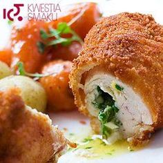 de volaille cutlet, the best with carrots and potatoes Clean Recipes, Wine Recipes, Cooking Recipes, Butter Chicken, Good Food, Yummy Food, Polish Recipes, Polish Food, Food Design