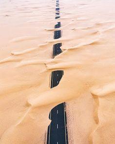 Jalanan Dubai Tertutupi Pasir