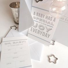 The perfect way to start your baby shower, invitations will add a touch of elegance and set the tone for your baby shower. Available in ocean blue in packs of 8, 12, 16 or 20.