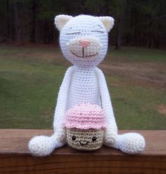 crochet cat amineko pattern. I currently have a book of these cats but just haven't made one yet... Hello Spring Break Project!