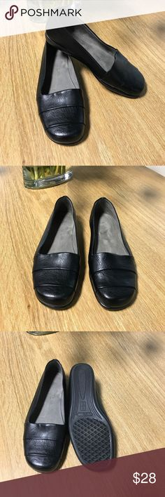 Aerosoles stitch n turn black flats Cute and comfortable aerosoles flats perfect for everyday or work AEROSOLES Shoes Flats & Loafers