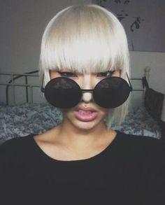 Black Widow Oversized Round Sunglasses