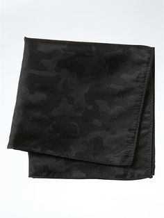 Banana Republic Mens Camo Textured Silk Pocket Square Size One