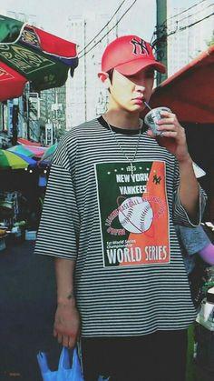 Chanyeol ❤ Oppa 💙👀 Exo ✌ Exo_k Baekhyun, Kaisoo, Chanbaek, Park Chanyeol Exo, Kpop Exo, Exo K, Kris Wu, Kim Minseok, Baseball Game Outfits
