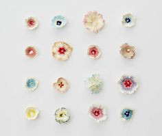 Haruka Misawa's Paper Flowers- what blows my mind is the fact that this artist was able to see the beauty in the form of a pencil shaving. Then go onto create more beauty from it. Awesome indeed