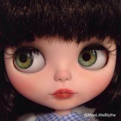 OOAK Custom Factory/Fake Blythe Doll - Giulia de MissLittleBlythe en Etsy https://www.etsy.com/es/listing/271590599/ooak-custom-factoryfake-blythe-doll