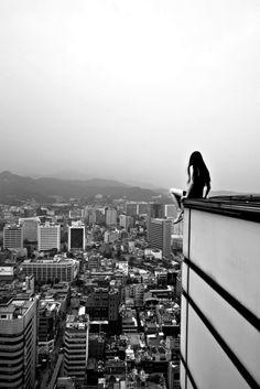 on the edge / Jun Ahn