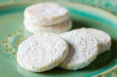 These Lime Meltaways have a wonderful fresh flavour. They're tender and crumbly like a shortbread, and tossed in powdered sugar for a burst of sweetness. Confectioners Sugar, Powdered Sugar, Biscuits Fondants, Finger Desserts, Cookie Jars, Shortbread, Dessert Recipes, Lime, Sweets