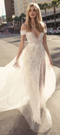 Fine Outfit Ideas Spring You Should Already Own outfit ideas spring, Wedding Dresses, wedding dresses, bridal collection bridal gowns, wedding gown Strapless Lace Wedding Dress, Long Wedding Dresses, Bridal Dresses, Wedding Gowns, Wedding Ceremony, Wedding Dress 2018, Wedding Skirt, Wedding Venues, Couture Dresses